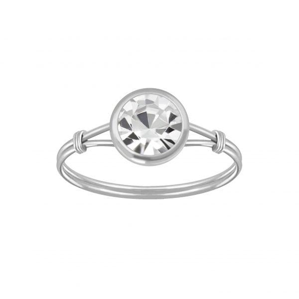 Zilveren ring met wit kleurig kristal