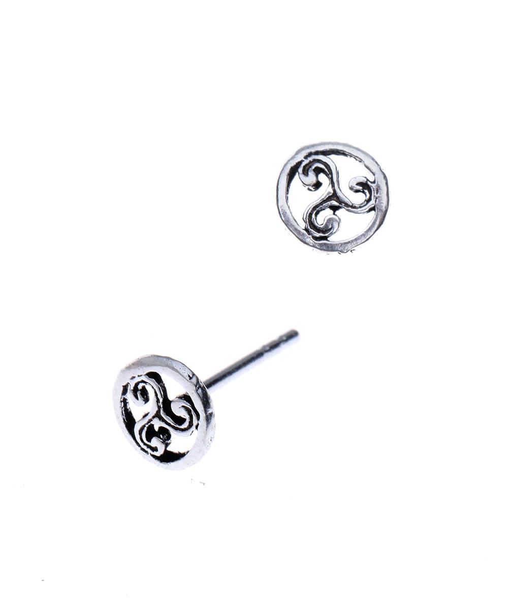Ronde oorsteker met keltisch symbool