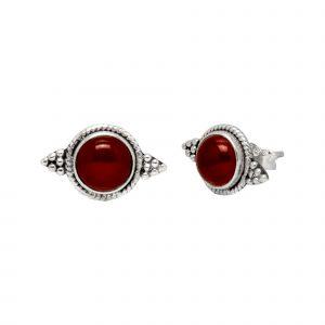 Zilveren oorstekers India met carneool en bolletjes detail